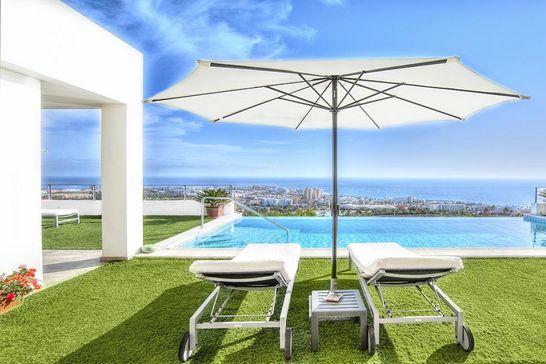 Traumhaus mit pool und garten  Exklusive Luxushäuser im In- und Ausland - Bellevue
