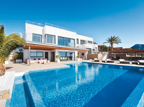Mallorca luxusvilla in sensationeller lage bellevue for Kapfer pool design mallorca